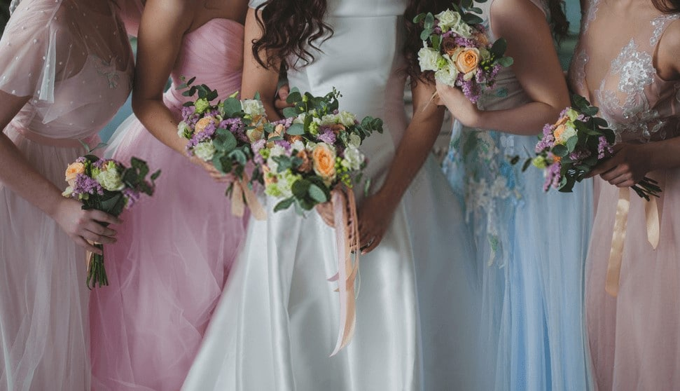 BRIDESMAID JEWELRY 101: HOW TO ACCESSORIZING YOUR DRESS 39