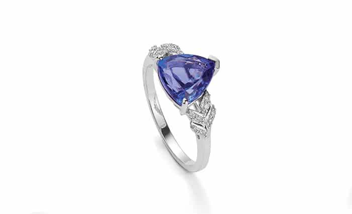 5 ALTERNATIVE GEMSTONES THAT WOULD BE PERFECT ENGAGEMENT RING 4